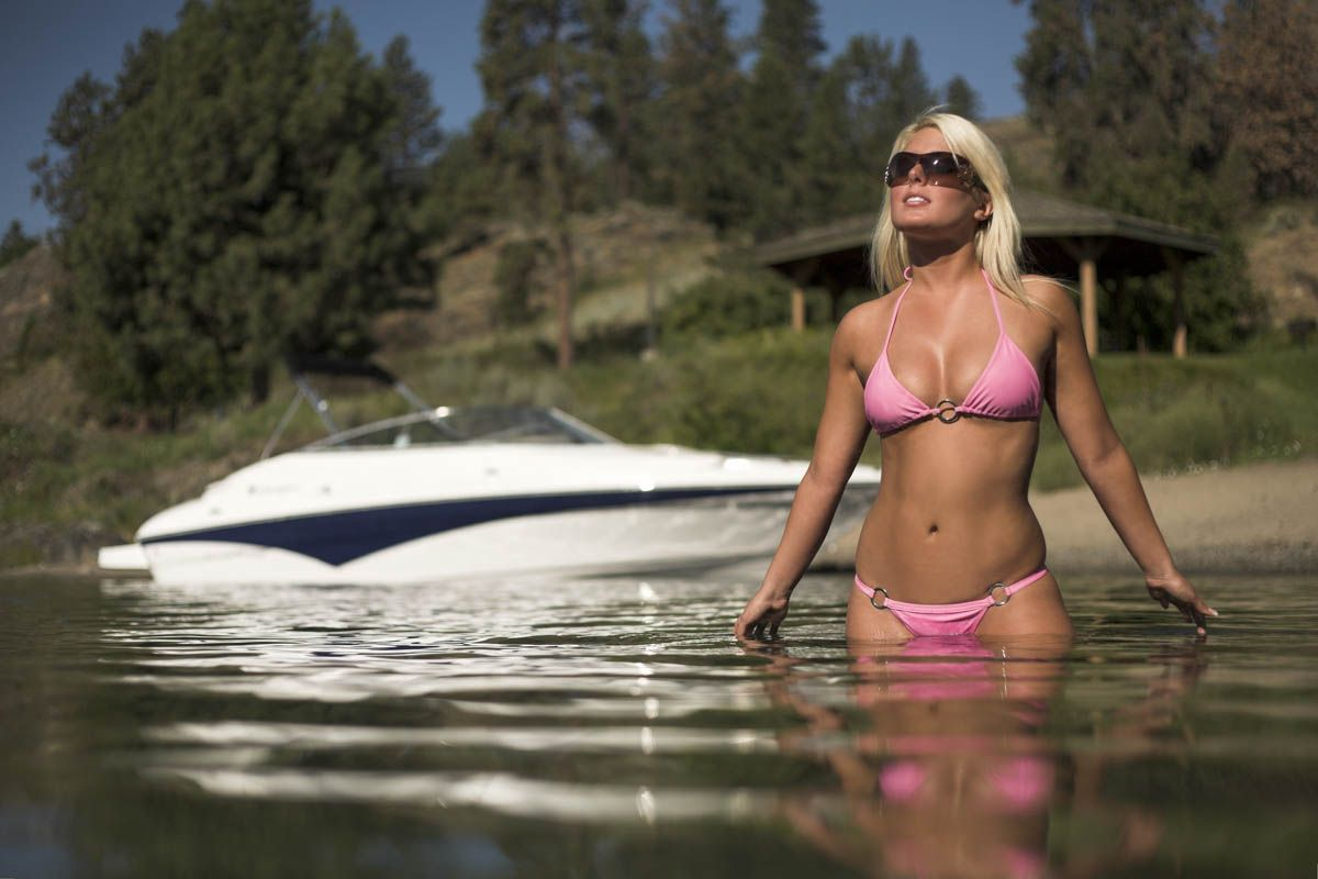 Shawn Talbot Kelowna Commercial Photographer boat model